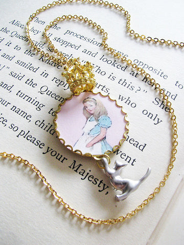 queen alice and dinah necklace