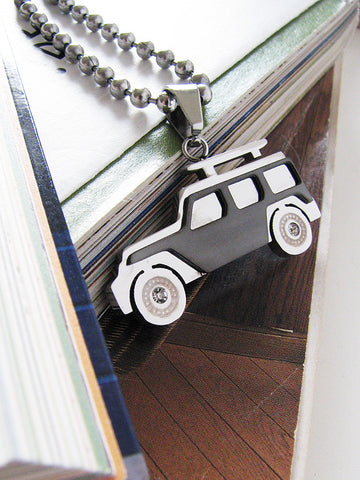 my wheels necklace