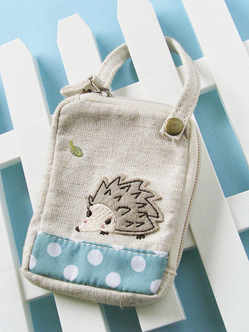 garden hedgehog zipped pouch