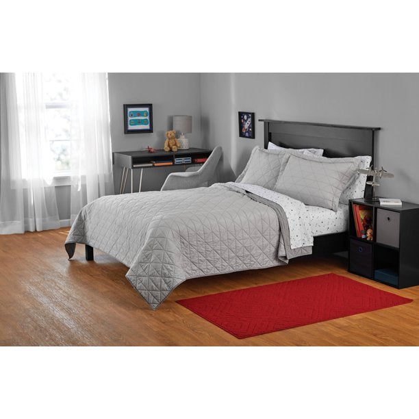 YOUR ZONE GRAY TRIANGLE QUILT SET, FULL/QUEEN