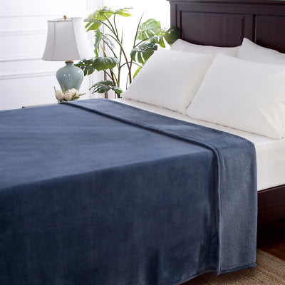 BERKSHIRE LIFE LUXELOFT BLANKET KING/ BLUE BABY IT'S COLD OUTSIDE $10 SPECIAL!!!