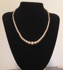 vintage deadstock 1950s pearl necklace