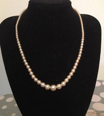 Deadstock vintage 1950s faux pearl necklace