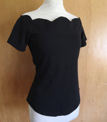Vintage 1950s scallop neckline stretch top black