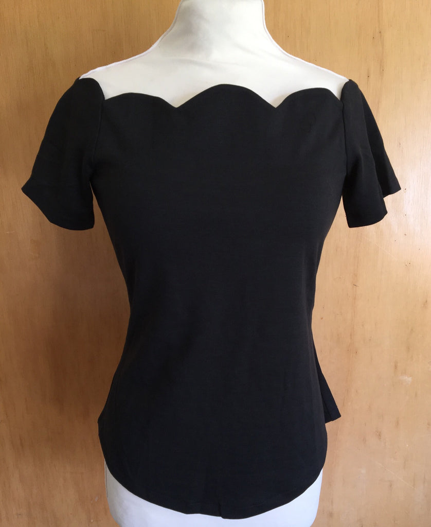 Vintage 1950s 1960s scallop neckline stretch top black