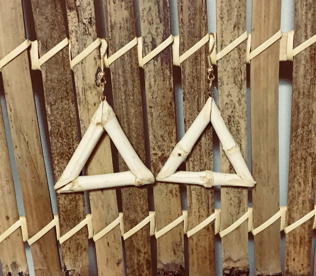 Tiki style natural bamboo triangle earrings vintage 1950s hawaiian