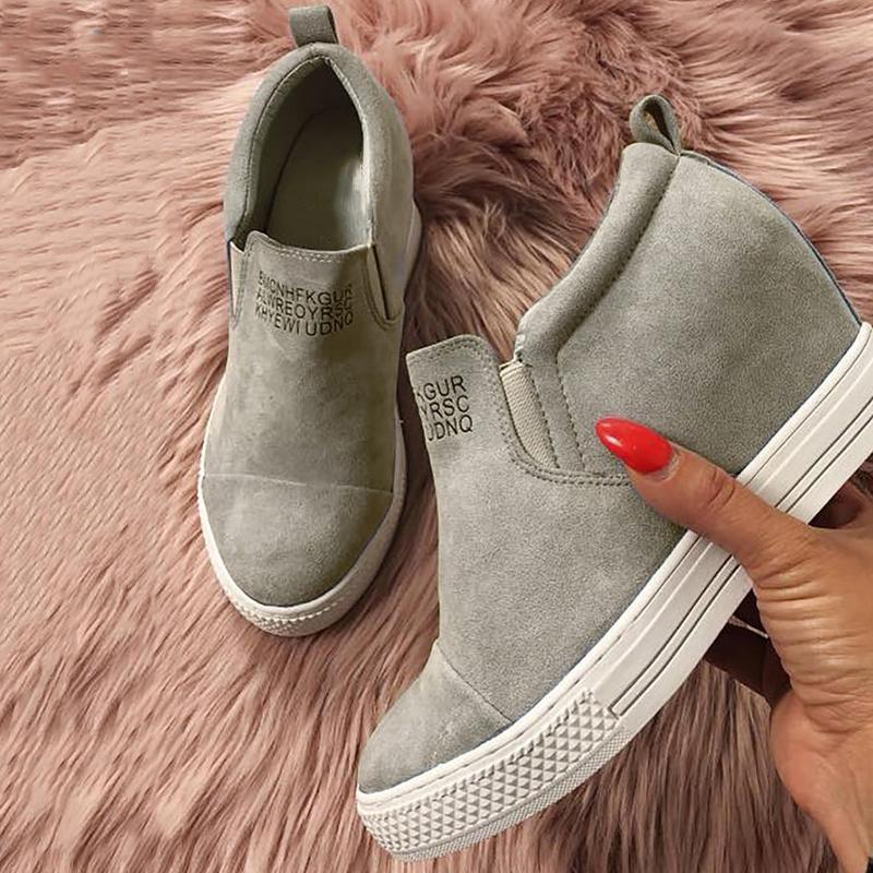 BESTWALK™ Faux Suede Sneakers