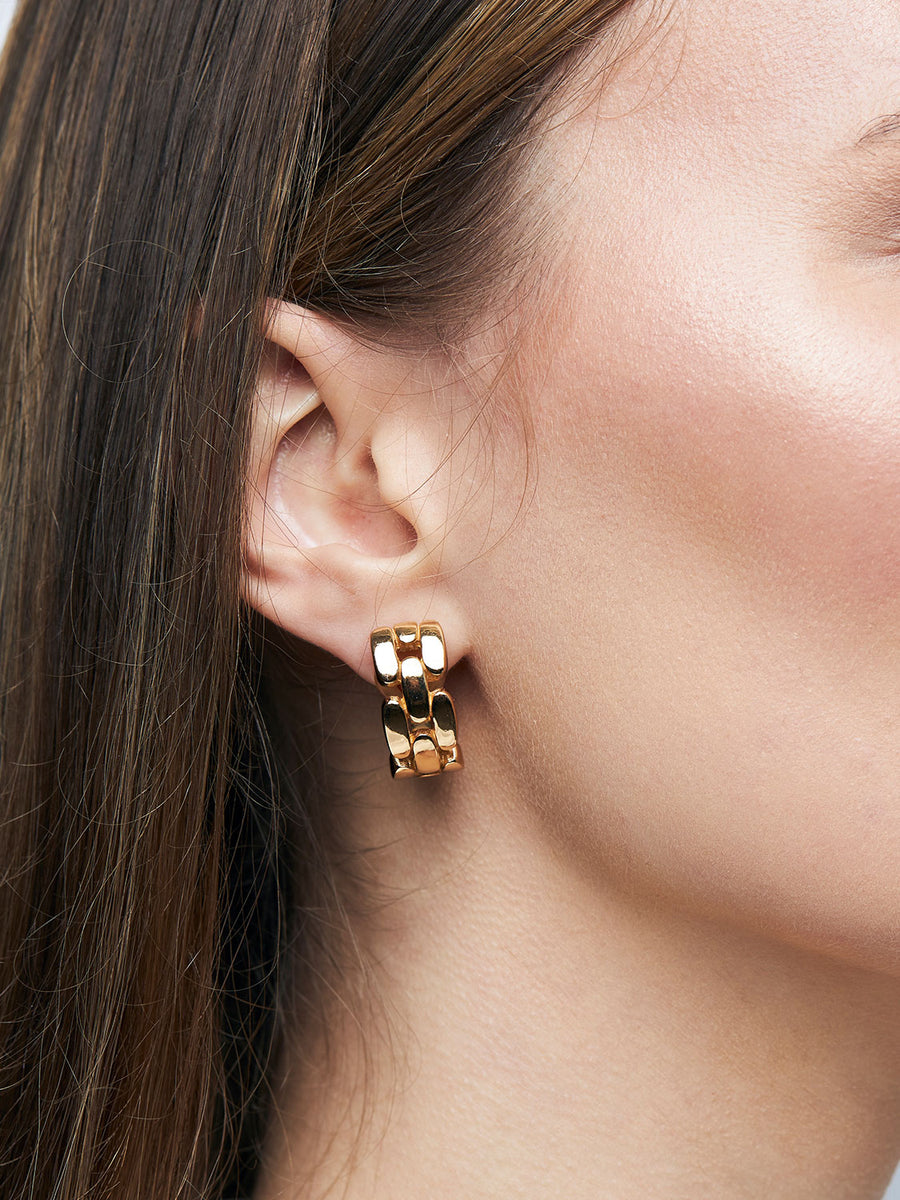 CHRISTIAN DIOR Gold Interlinked Clip Earrings