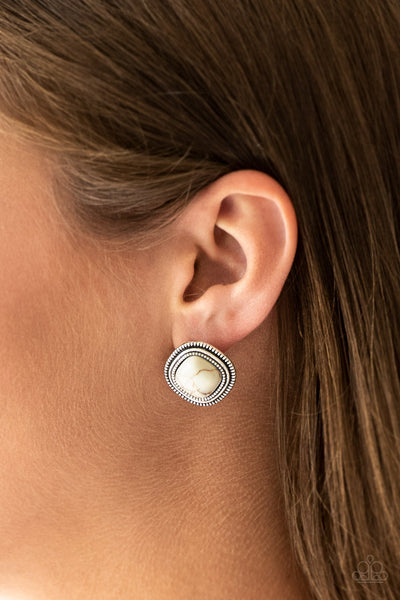 Frontier Runner Earrings - White and Silver