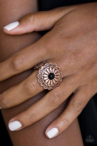 Daringly Daisy flower Ring - Copper and Black