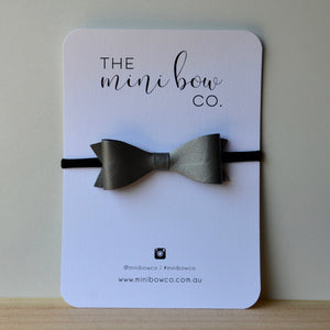 Classic Bow - Pearl Grey