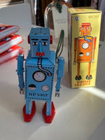 Load image into Gallery viewer, Lilliput Robot - Blue