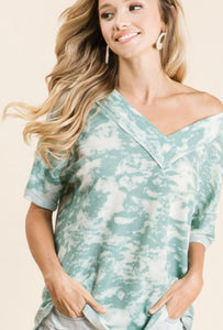TIE DYE PRINT THERMAL V NECK TOP WITH CONTRAST STITCHING DETAIL