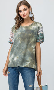 Waffle-knit tie-dye scoop-neck top featuring contrast print detail at sleeve