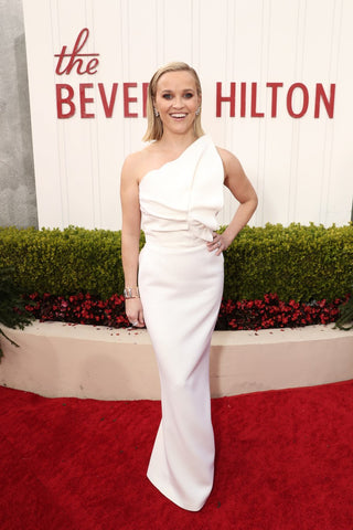reese-witherspoon-golden-globes-red-carpet-awards-fashion-2020