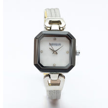 Load image into Gallery viewer, Square Watch with Black Bezel and Bracelet Straps