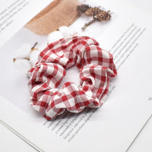 Load image into Gallery viewer, Woman's Vintage Stretch Scrunchie Headband