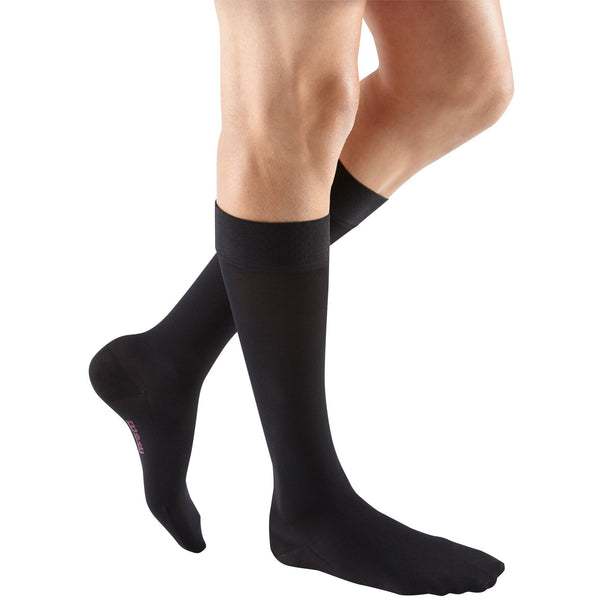 mediven plus, 30-40 mmHg, Calf High w/ Silicone Topband, Closed Toe