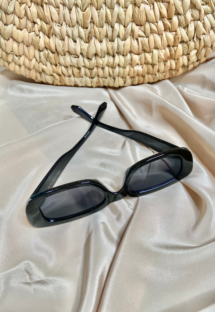 Minora Sunglasses in Black