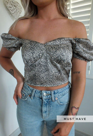 Maya Leopard Puff Sleeve Crop Top