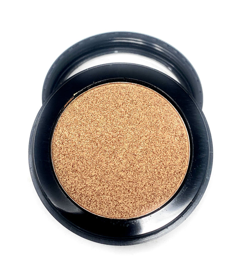 Single Pressed Gold Foiled Eyeshadow In the Shade Queen Compact Smooth Pigmented Eyeshadow Colour