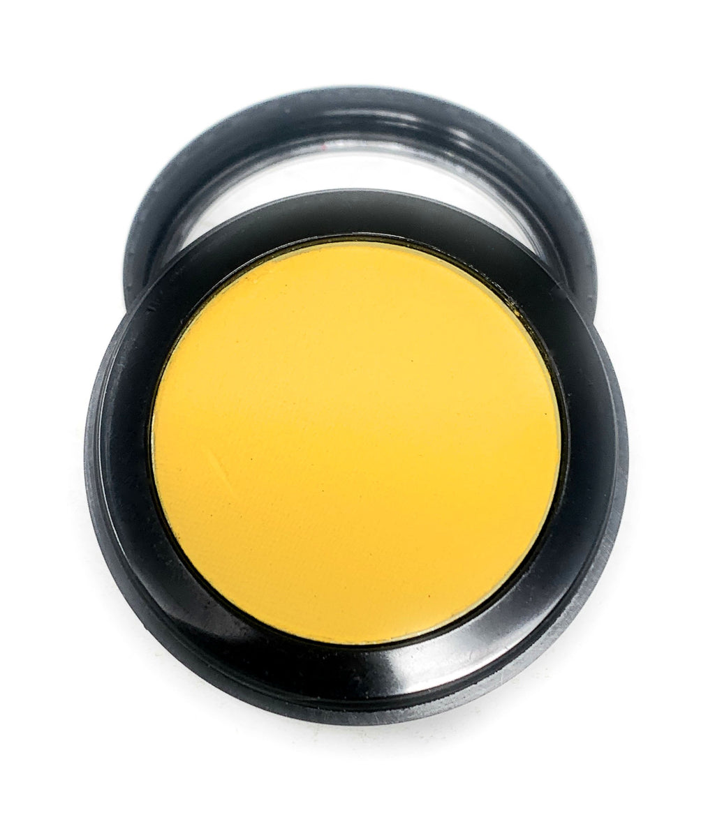 Single Pressed Eyeshadow In the Shade Belle Compact Smooth Pigmented Eyeshadow Yellow Matte Colour