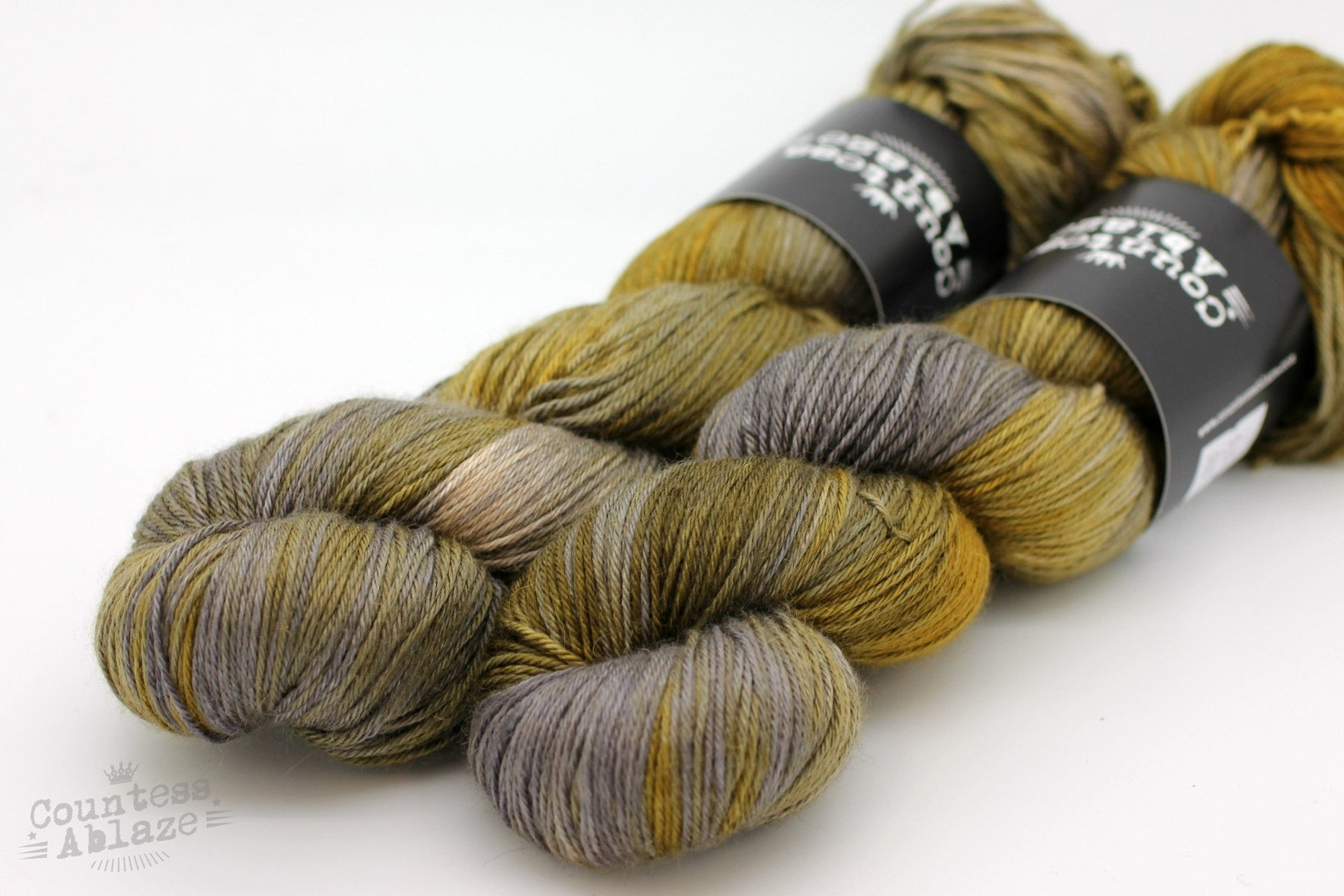 Colourway : Industrial Countess Ablaze