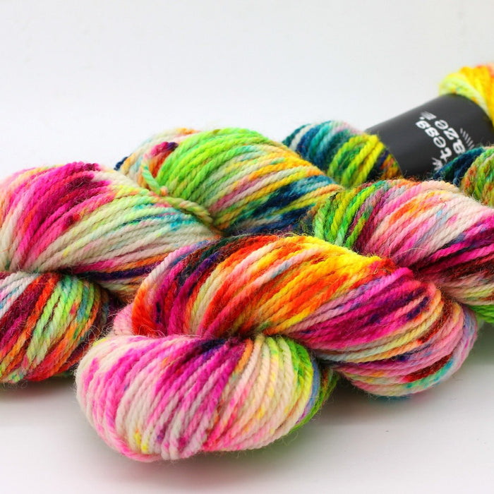 Colourway : This Ain't A Scene Countess Ablaze