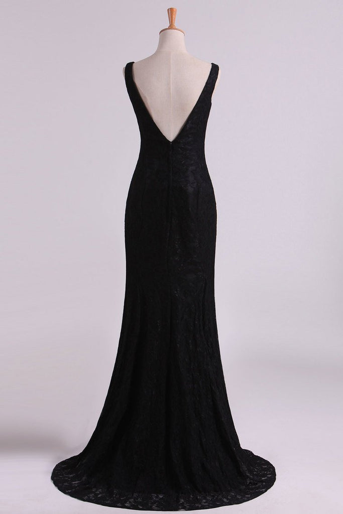 2019 Black Lace Evening Dresses V Neck Open Back Sweep Train Sheath