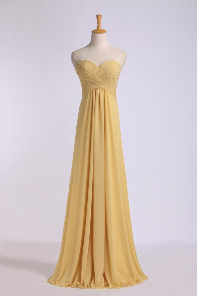 Bridesmaid Dresses Floor Length Sweetheart Sheath/Column Chiffon With Ruffle