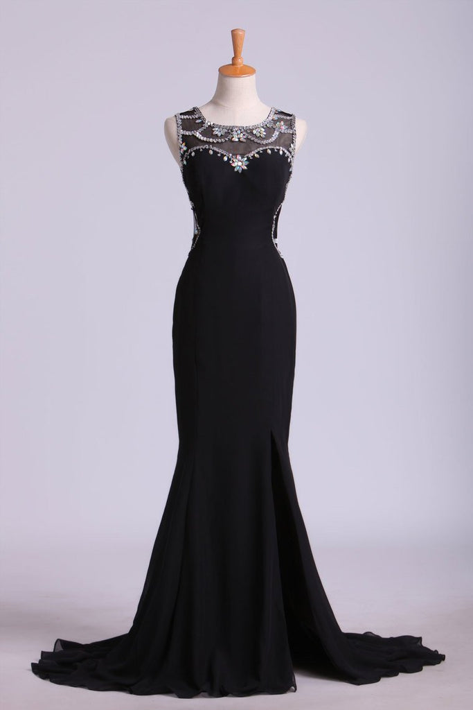 New Arrival Prom Dresses Scoop Neckline Sheath Chiffon