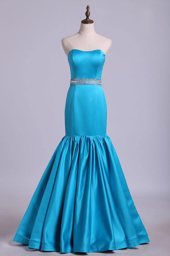 2019 Sweetheart Mermaid Prom Dresses With Beading