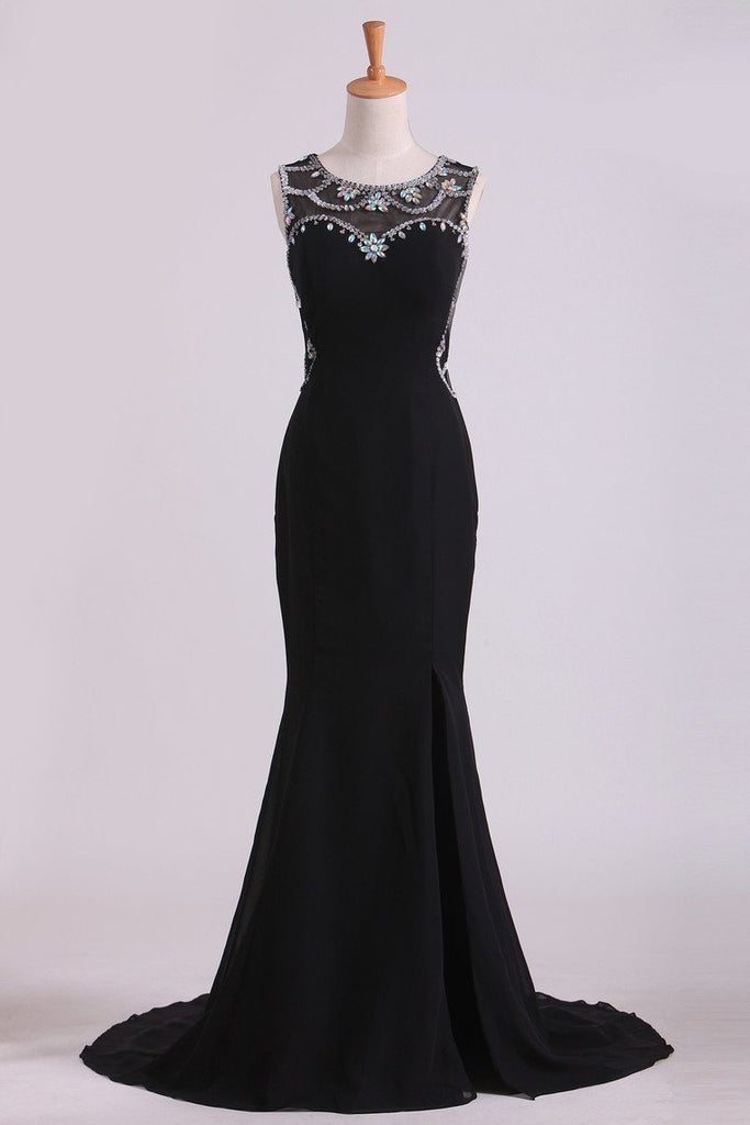 2019 Black Prom Dresses Scoop Neckline Mermaid Chiffon With Beads And Slit