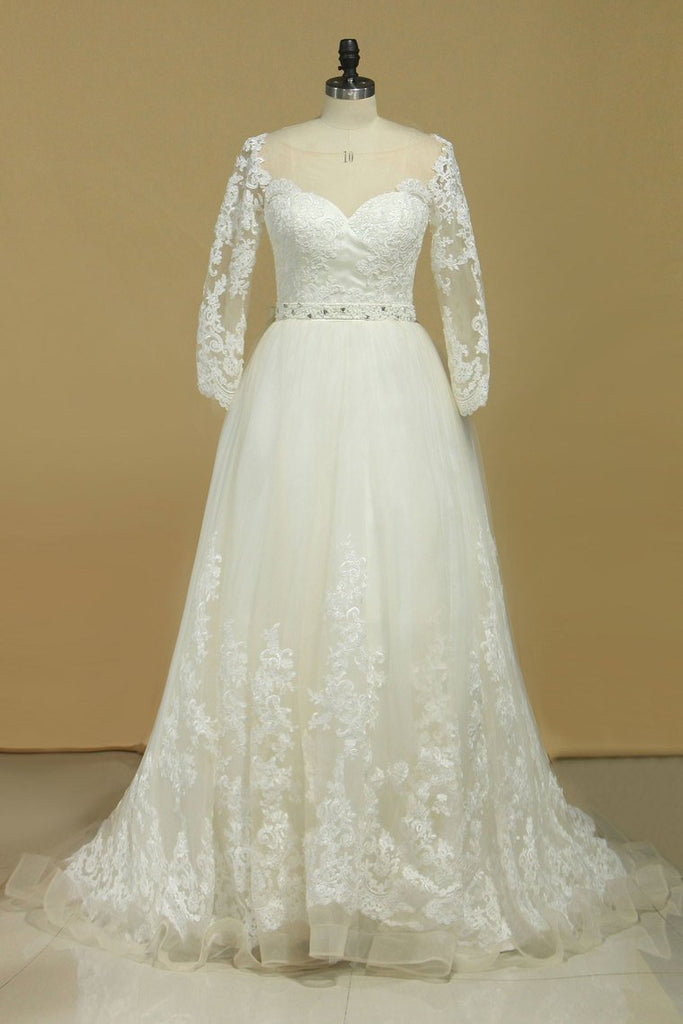 2019 Plus Size Bateau Wedding Dresses 3/4 Length Sleeve With Applique Tulle