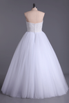 2021 Sweetheart Ball Gown Wedding Dresses Tulle Floor Length With