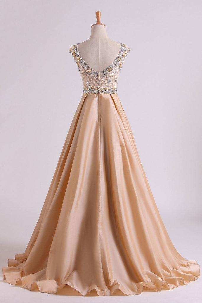 2019 Prom Dresses Bateau Ball Gown Lace Bodice With Long Taffeta Skirt Sweep Train