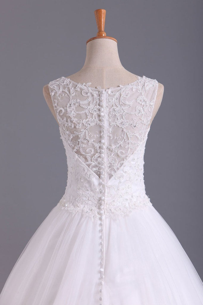 2021 Hot Bateau Wedding Dresses A Line Tulle With Applique