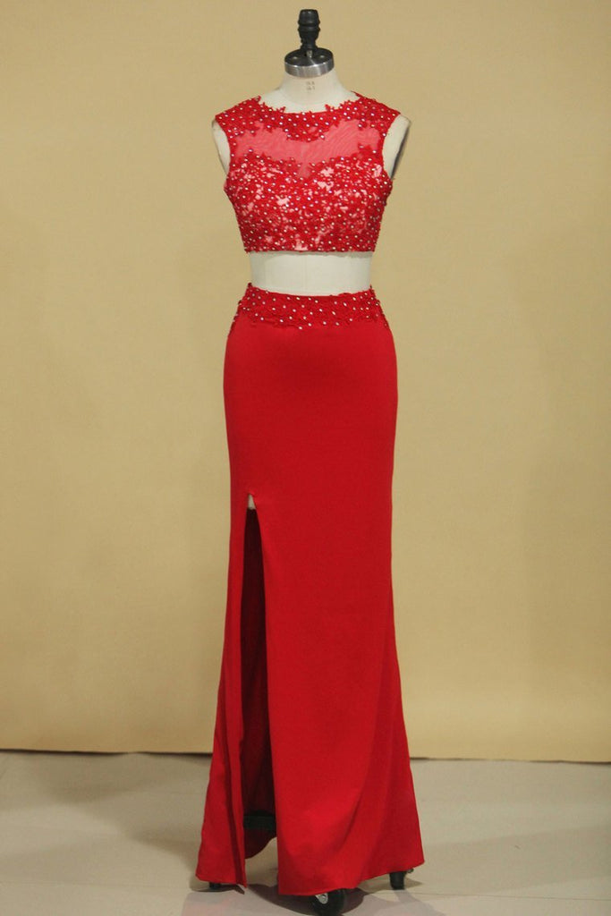 2019 Red Two-Piece Scoop Sheath With Applique And Beads Spandex Prom
