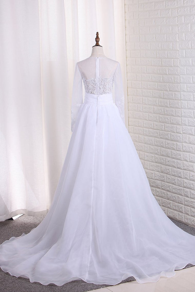 2019 Wedding Dresses Scoop Long Sleeves Tulle & Organza With Applique Sweep Train