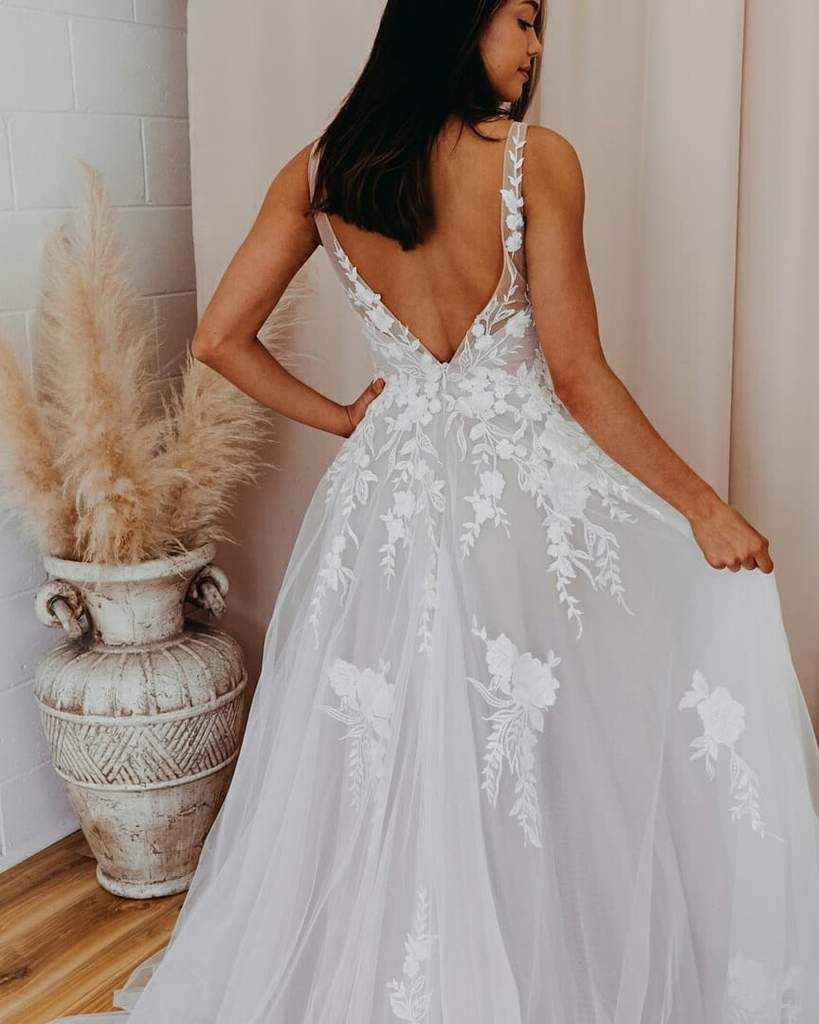 Romantic V Neckline Backless Wedding Dress Appliqued Ball Gown Bridal STCPSMCZA6Q