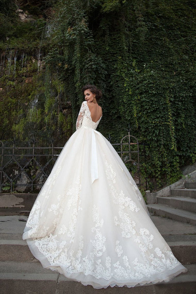 2019 Bateau Wedding Dresses 3/4 Length Sleeve With Applique Tulle