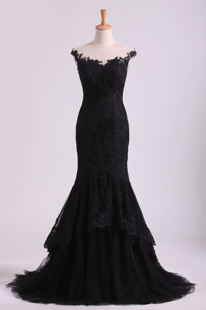 2019 Mermaid Evening Dresses Bateau Tulle With Applique Sweep Train Color Black