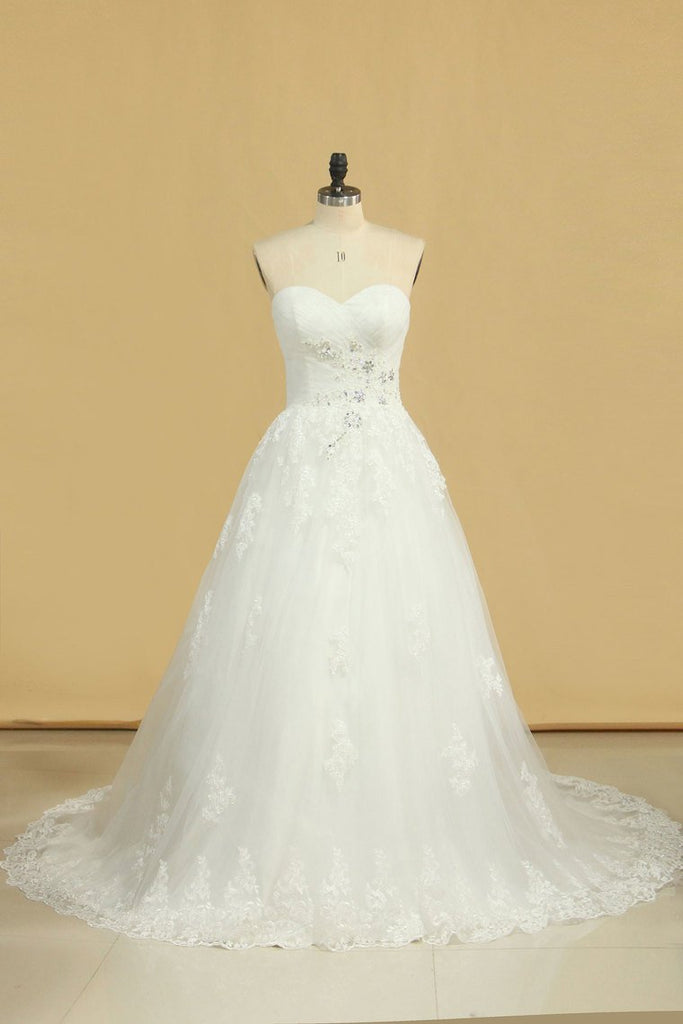2019 Plus Size Wedding Dresses A-Line Sweetheart Court Train Tulle Applique Covered Button