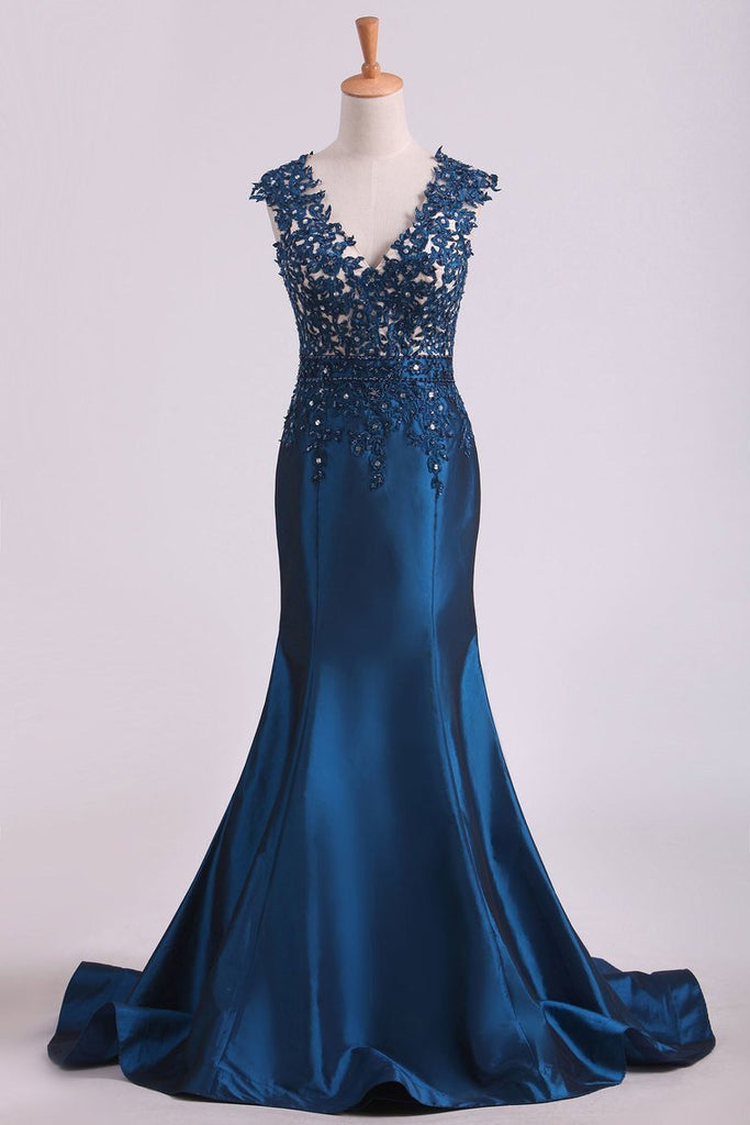2019 Prom Dresses V Neck Mermaid With Beading And Applique