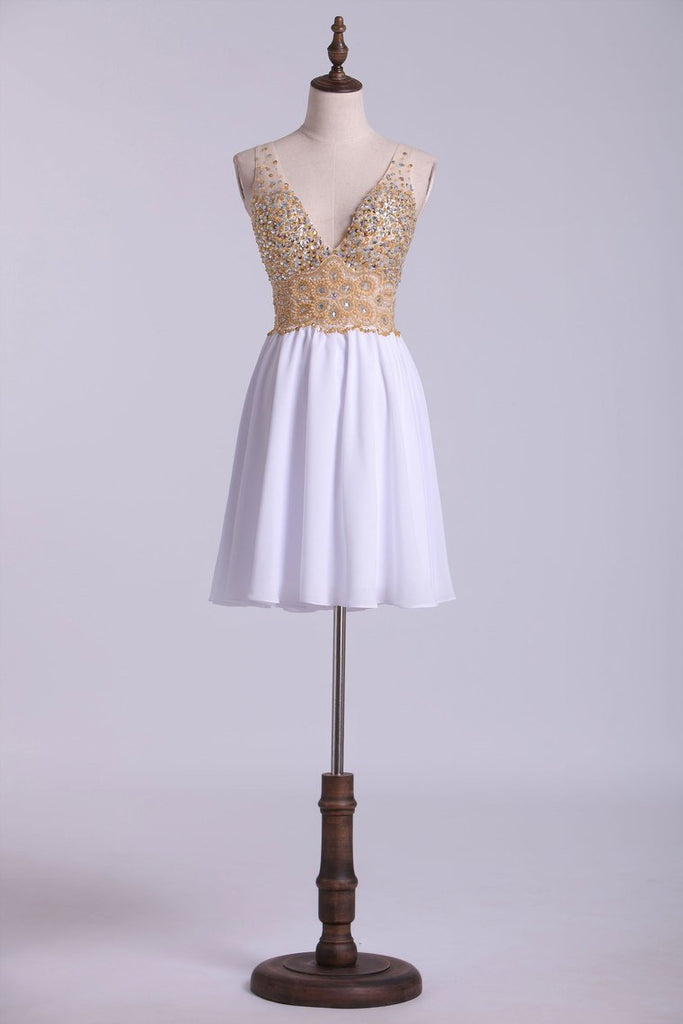 V-Neck Homecoming Dresses A Line Tulle & Chiffon Beaded