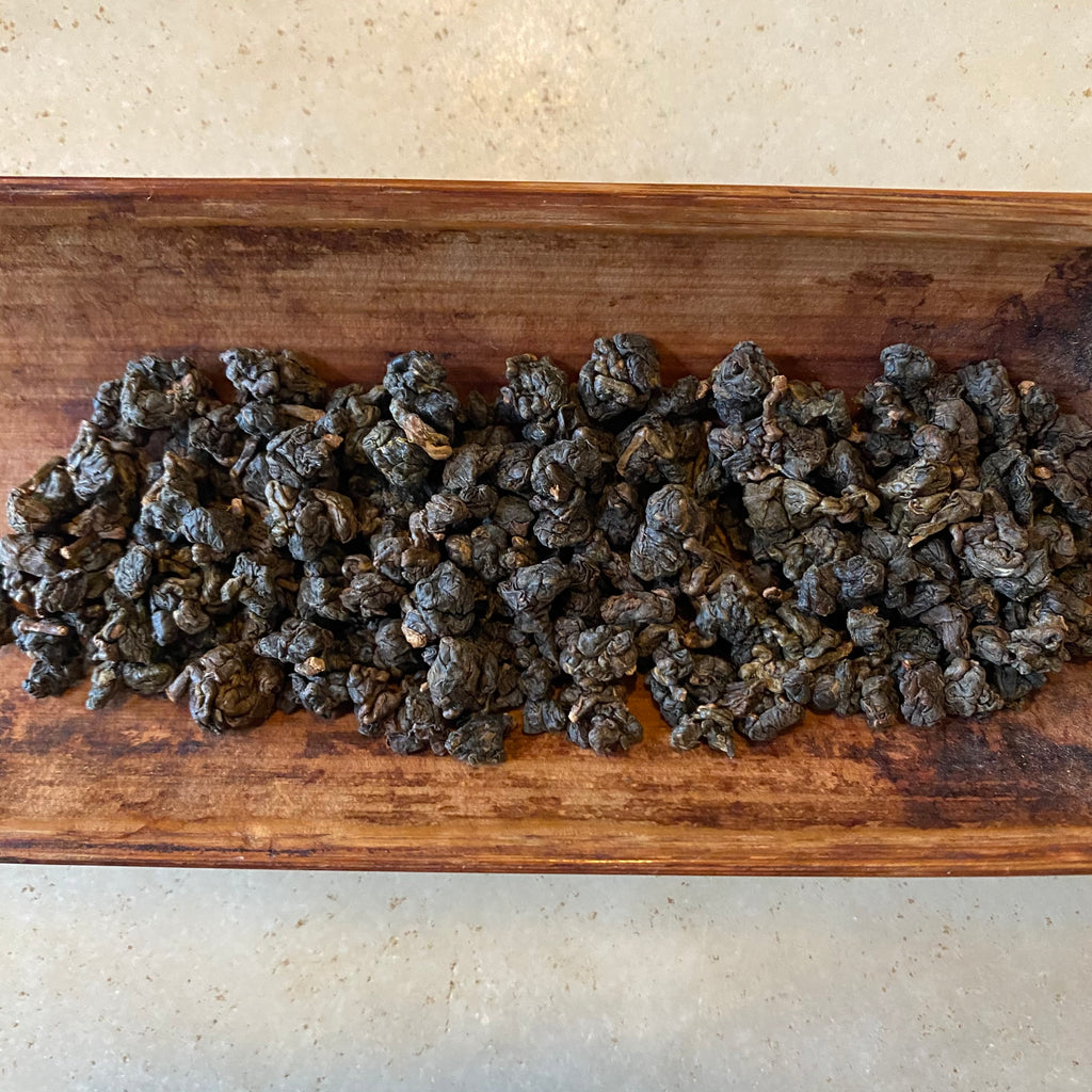 Charcoal Roasted High Mountain Oolong Tea spring 2020 dried leaves