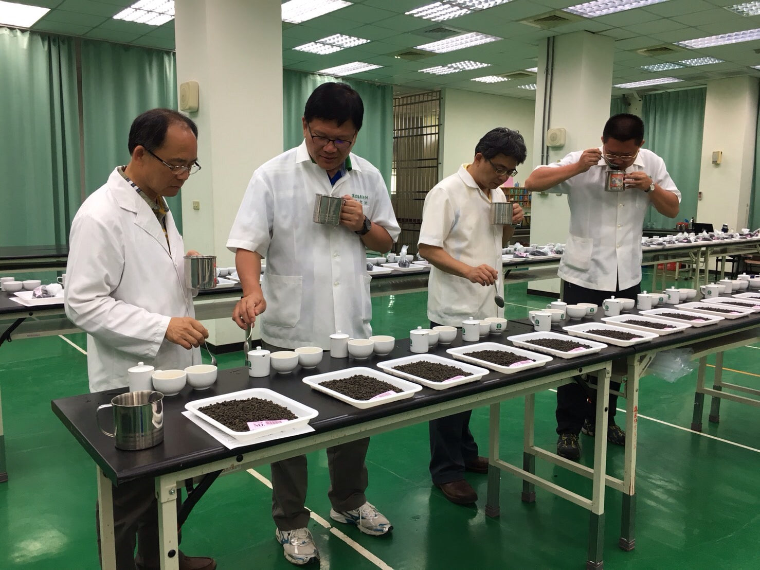 Lugu Farmers' Association Dong Ding Oolong Tea Competition Final Judging