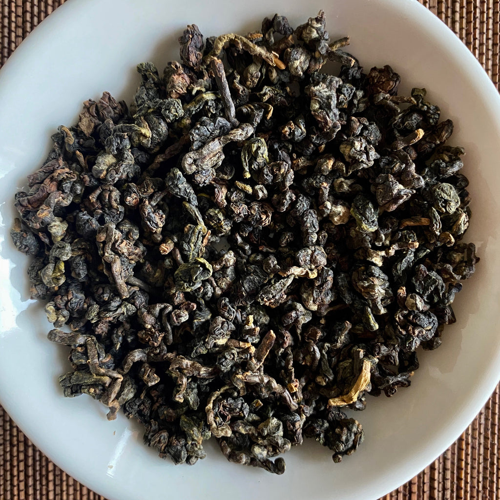 Hong Shui Oolong dried tea leaves