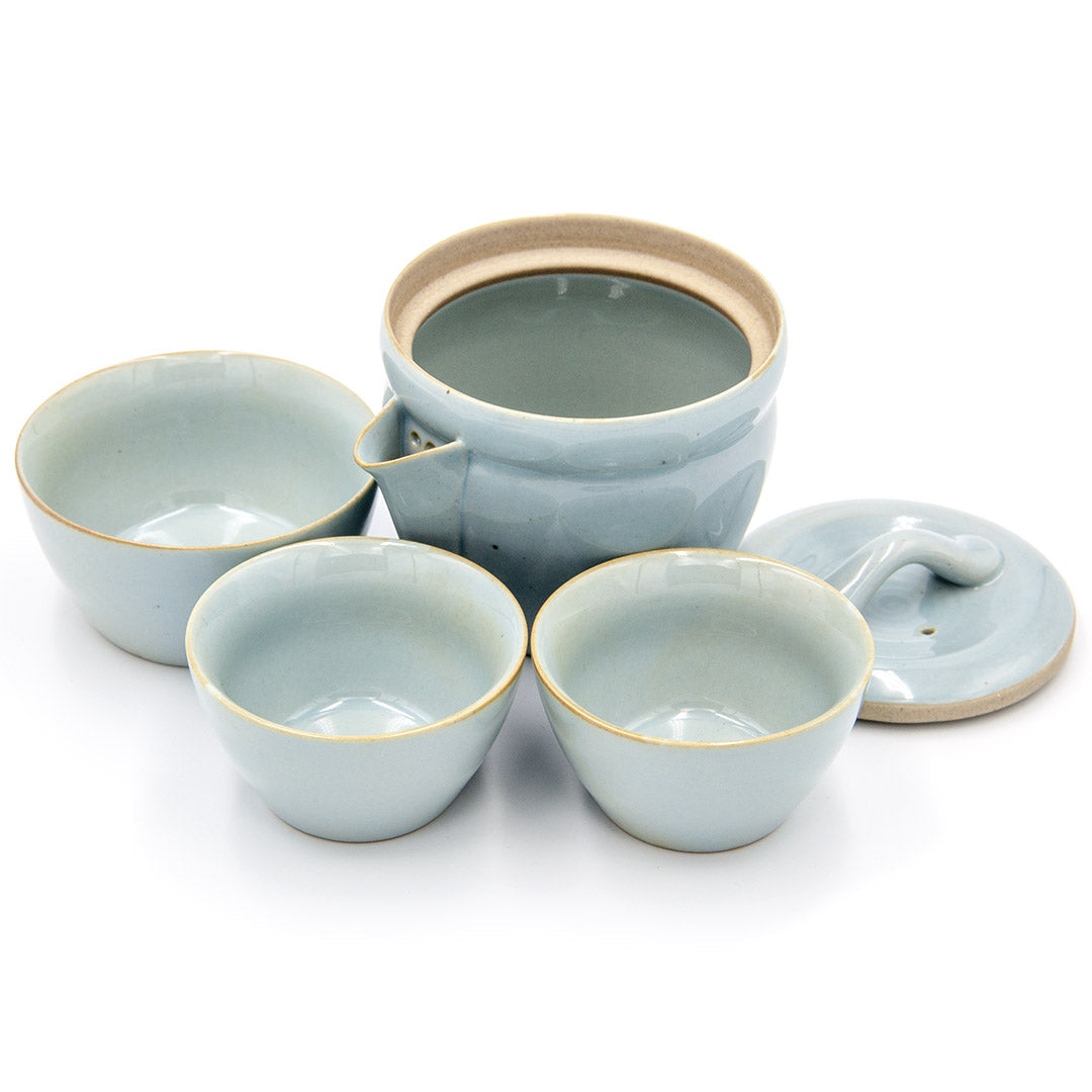 Travel tea set teapot and cups