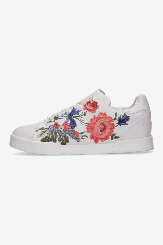 Haper Embroidered Sneaker